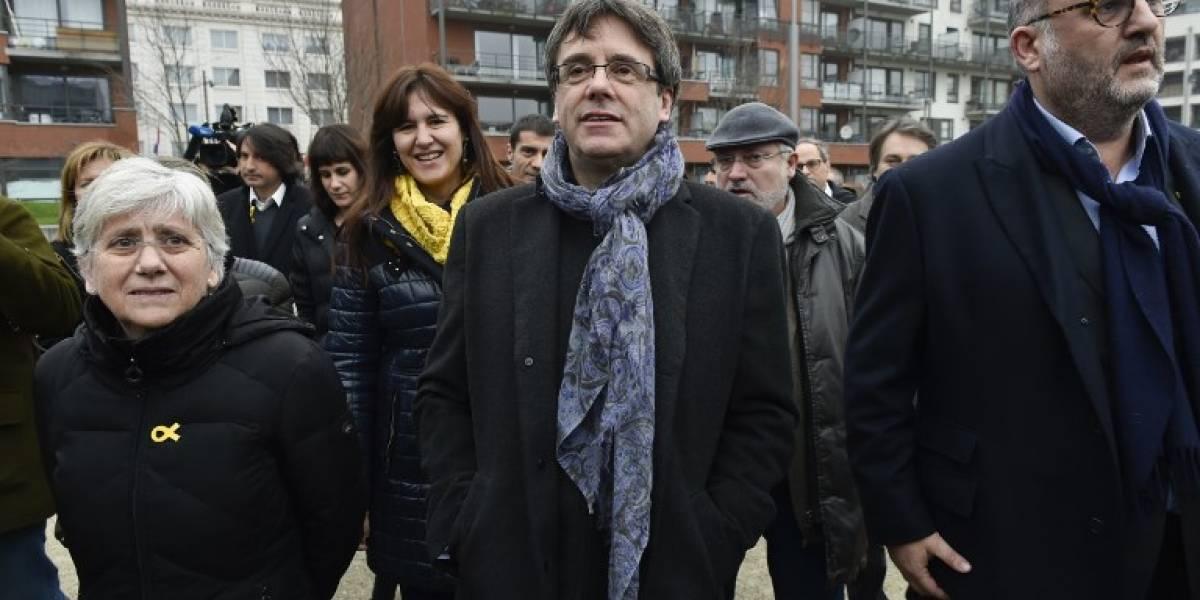 Puigdemont inicia pulso con Madrid para presidir nuevamente Cataluña