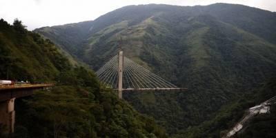 Puente cae en Villavicencio