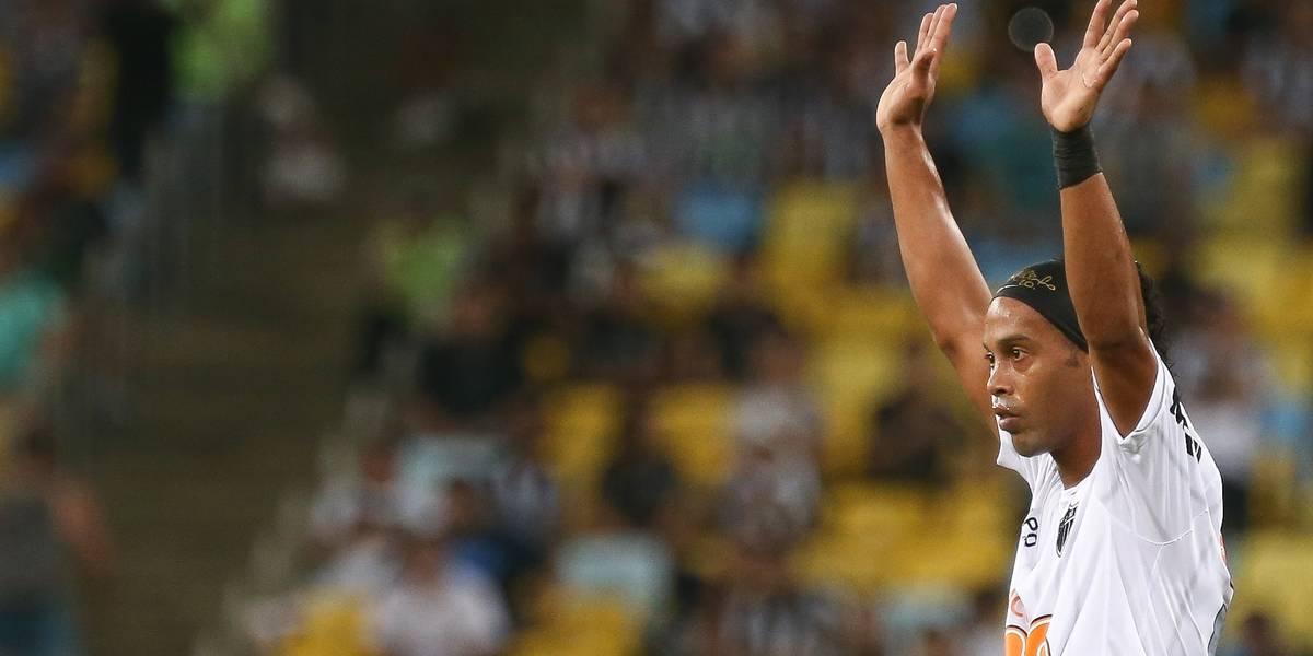 Ronaldinho Gaúcho se aposenta do futebol