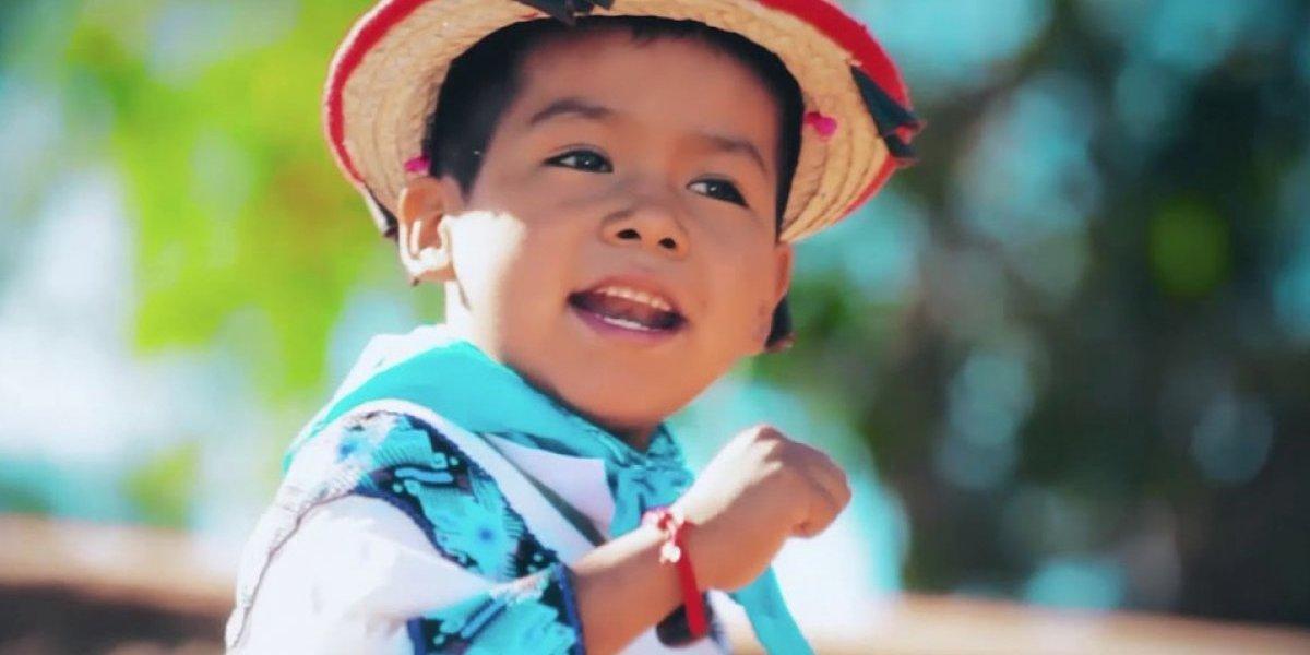 Niño de 'Movimiento Naranja' hará canción para el Mundial