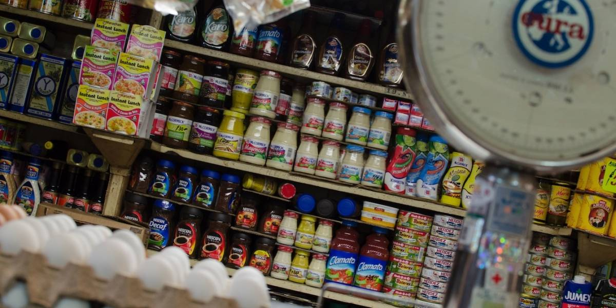 Descartan cierres masivos de comercios por cuesta de enero