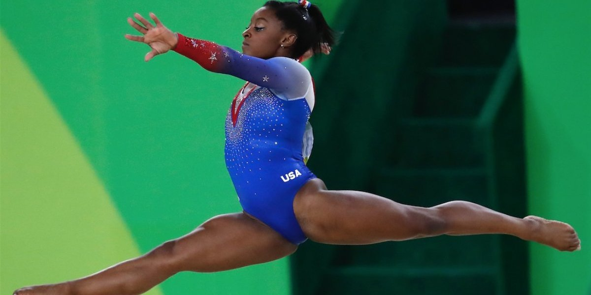 Superestrella olímpica Simone Biles revela abuso sexual de exmédico de equipo de EE. UU.