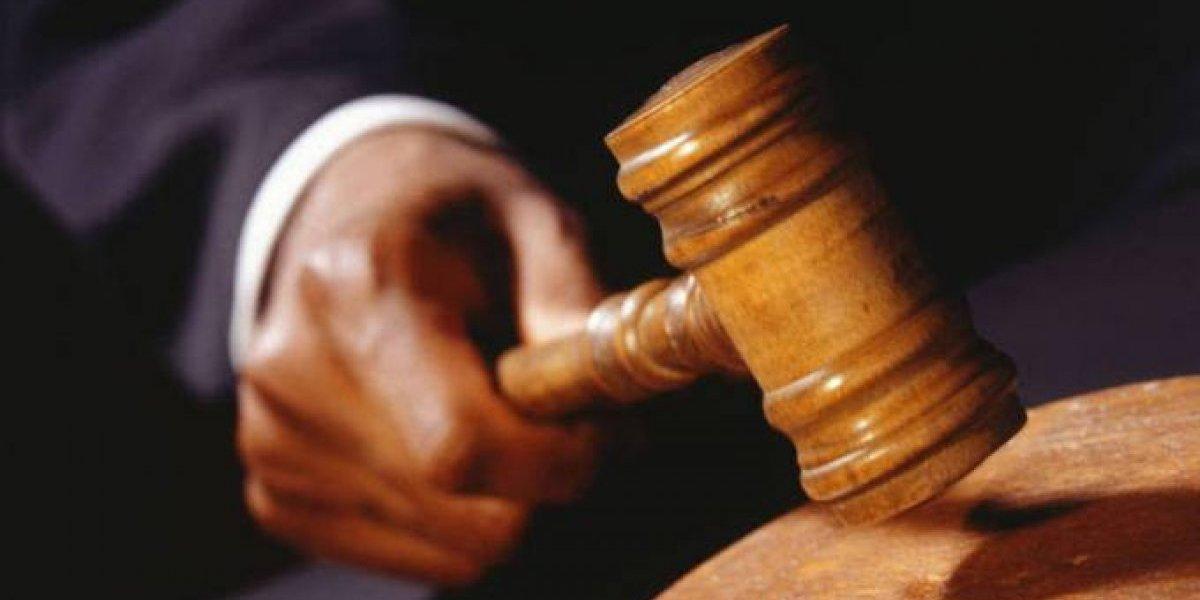 Imponen 3 meses de coerción contra hombre por asalto en guagua pública