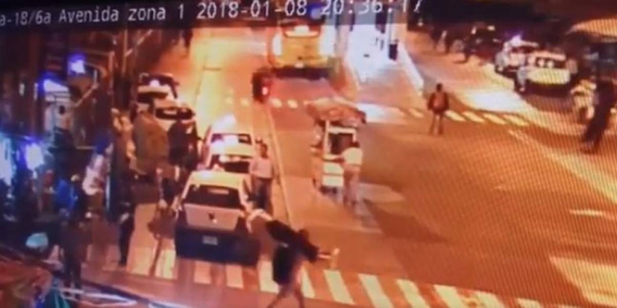 Nadie reclama aún el cuerpo de hombre que se suicidó bajo las llantas del Transmetro