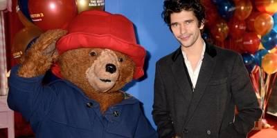 """Ben Whishaw habla sobre """"Paddlington 2"""", sobre ser mitificado por la comedia, y sobre la gloriosa inocencia de amado oso"""