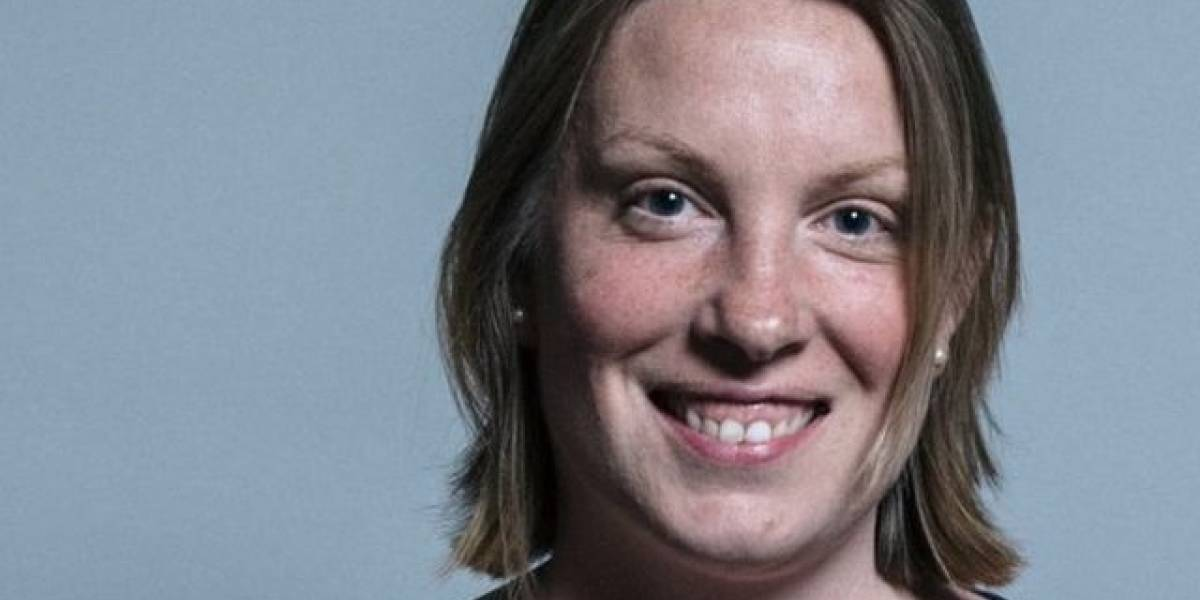 Reino Unido nomeia secretária para combater a solidão