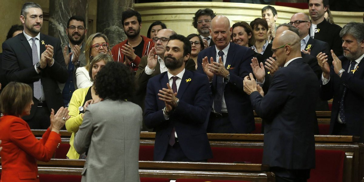 Cataluña inaugura parlamento en medio de crisis independentista