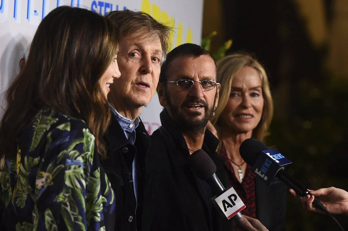 Paul McCartney y Ringo Starr llegan a la presentación de la colección otoño 2018 de Stella McCartney el martes 16 de enero del 2017 en Los Angeles. (Foto por Jordan Strauss/Invision/AP)