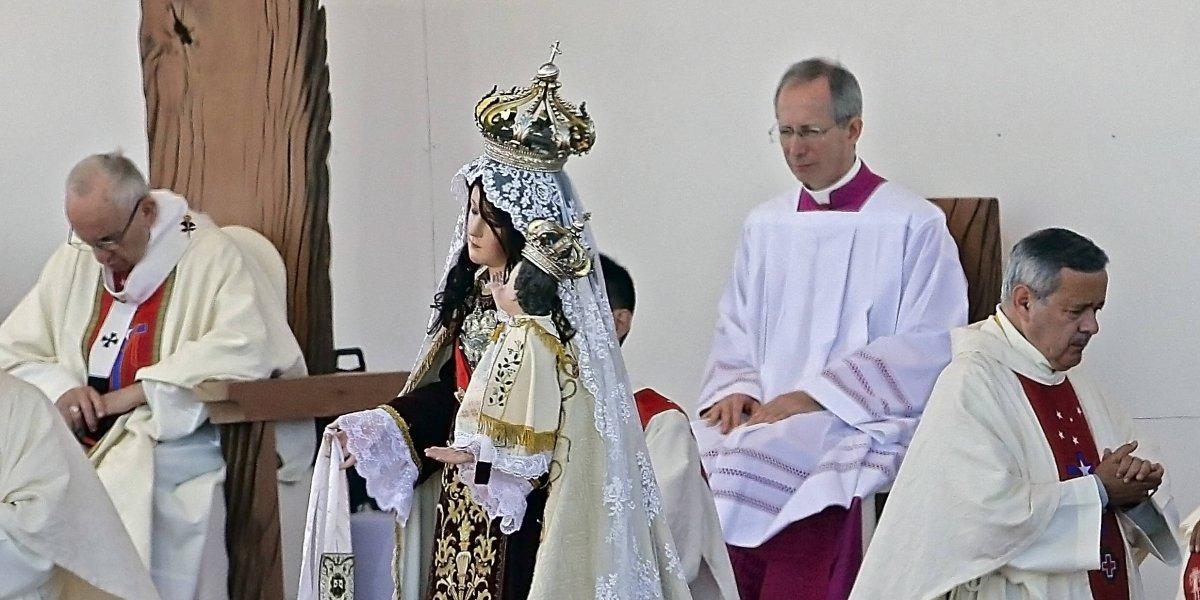 """""""Los escándalos por abuso sexual empañan la visita papal a Chile"""": prensa internacional pone la lupa en reunión del Papa Francisco"""