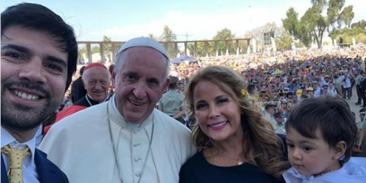 """Cathy Barriga y su selfie con el Papa Francisco: """"muy emocionada y agradecida de la vida"""""""