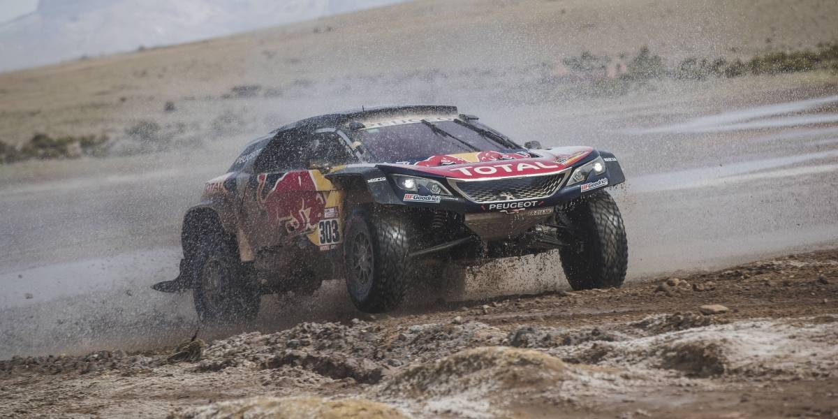 Carlos Sainz sigue líder en Rally Dakar 2018