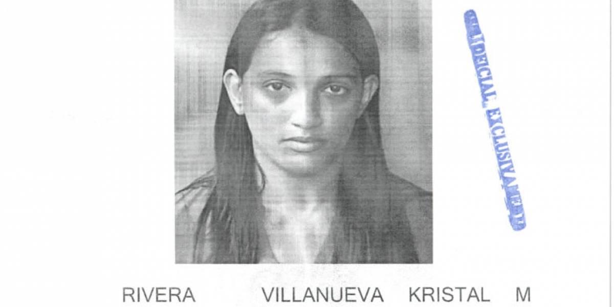 Estudiante le roba la identidad a su profesora