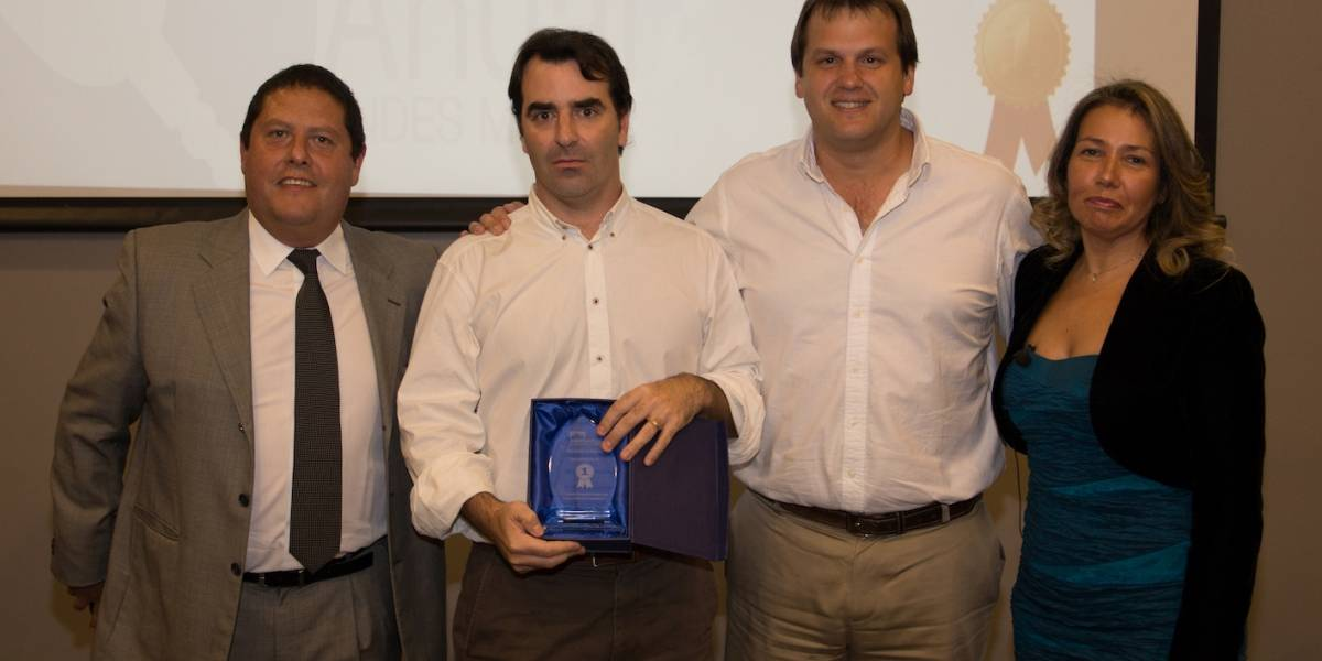 Gellona es reconocido por Andes Motor por sus ventas en 2017