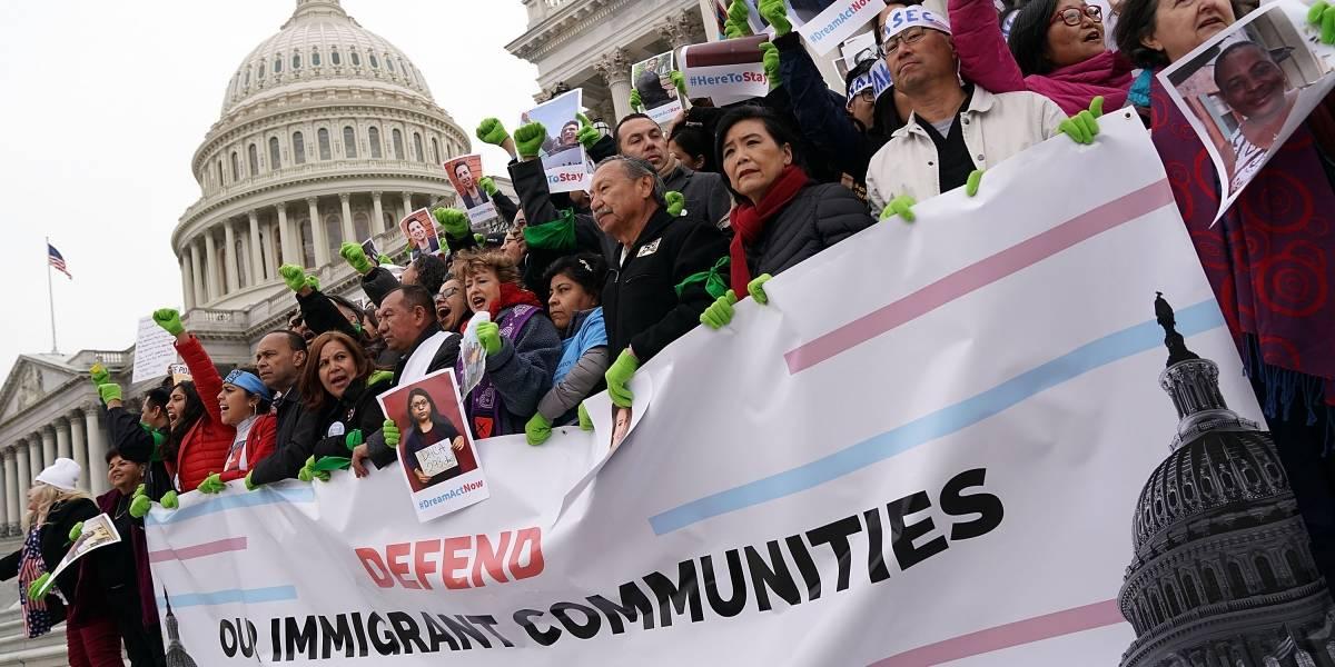 Al menos 38 mil salvadoreños en EU podrían salvarse de la deportación