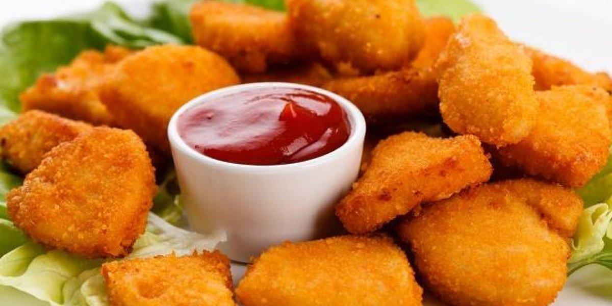 Empresa abre vaga para 'degustador' de nuggets de frango