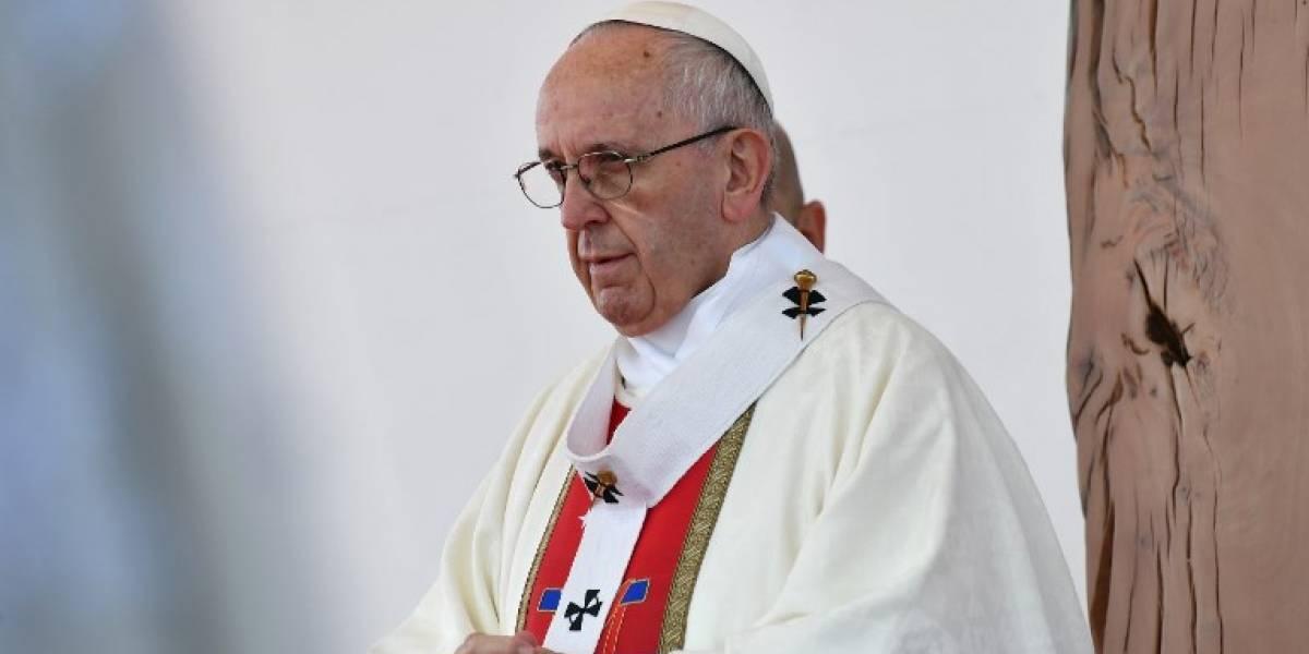 El Papa critica uso de la violencia en reivindicaciones indígenas en Chile