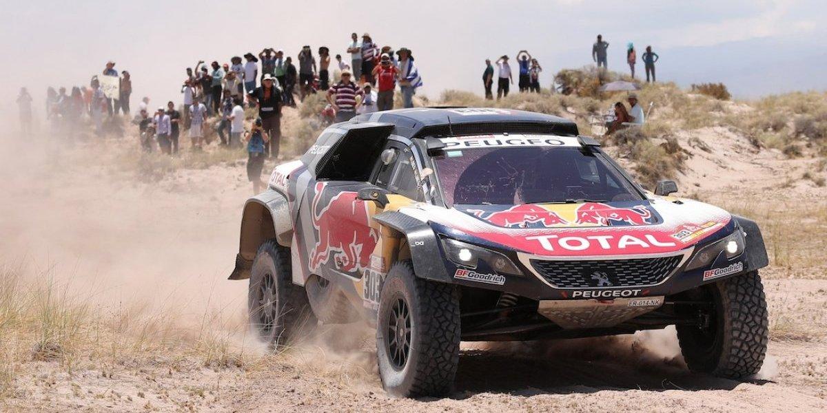 Le quitan la penalización a Carlos Sainz y acaricia el título del rally Dakar