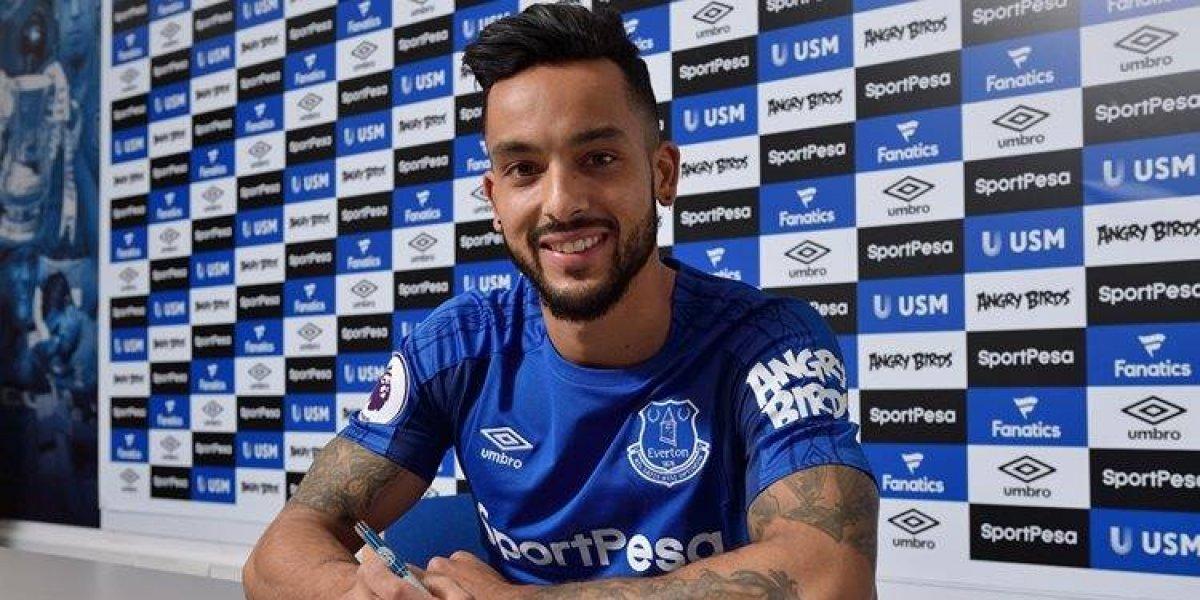 Everton oficializó el fichaje de Theo Walcott