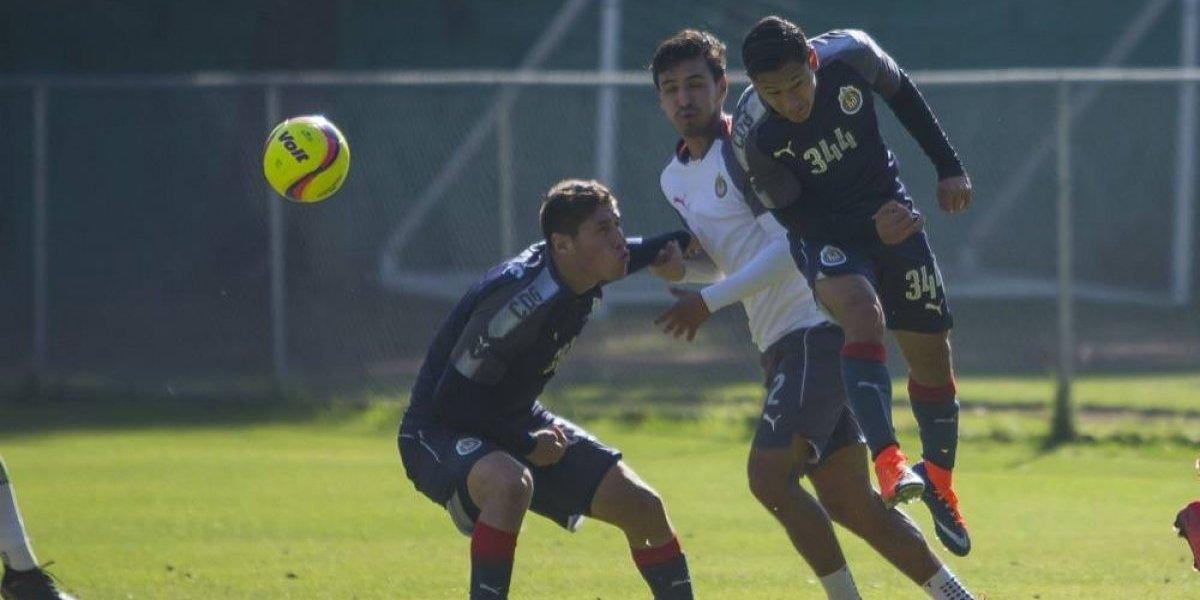 Oswaldo Alanís podría ir a la banca con Chivas