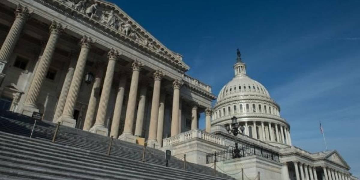 Congreso EEUU aprueba aumento salarial para tropas
