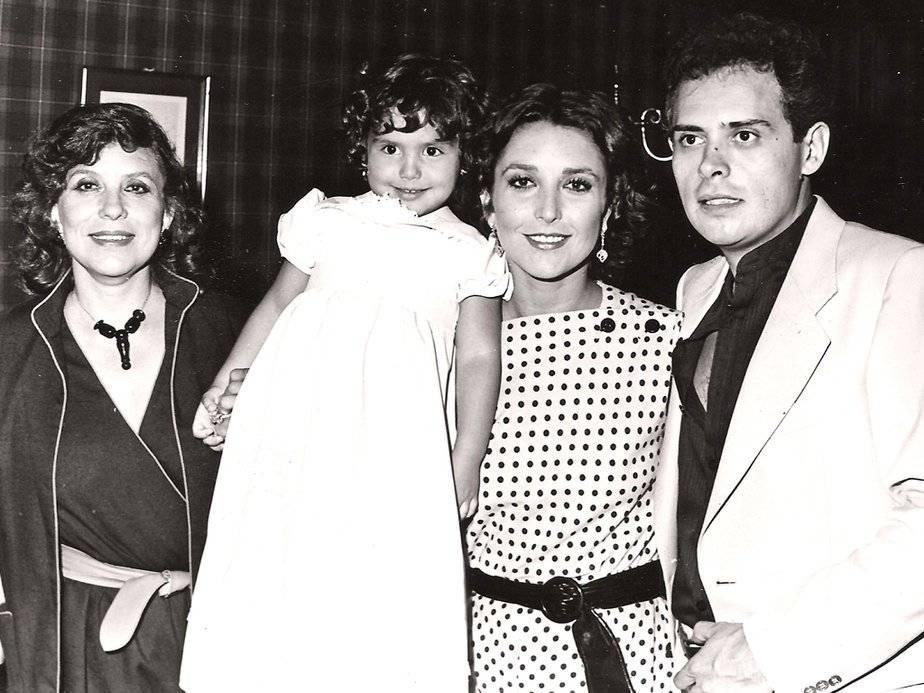 Angélica María, Raúl Vale y su hija
