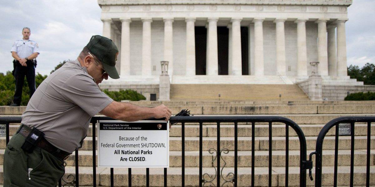 ¿Qué es el cierre de gobierno que podría paralizar a Estados Unidos?