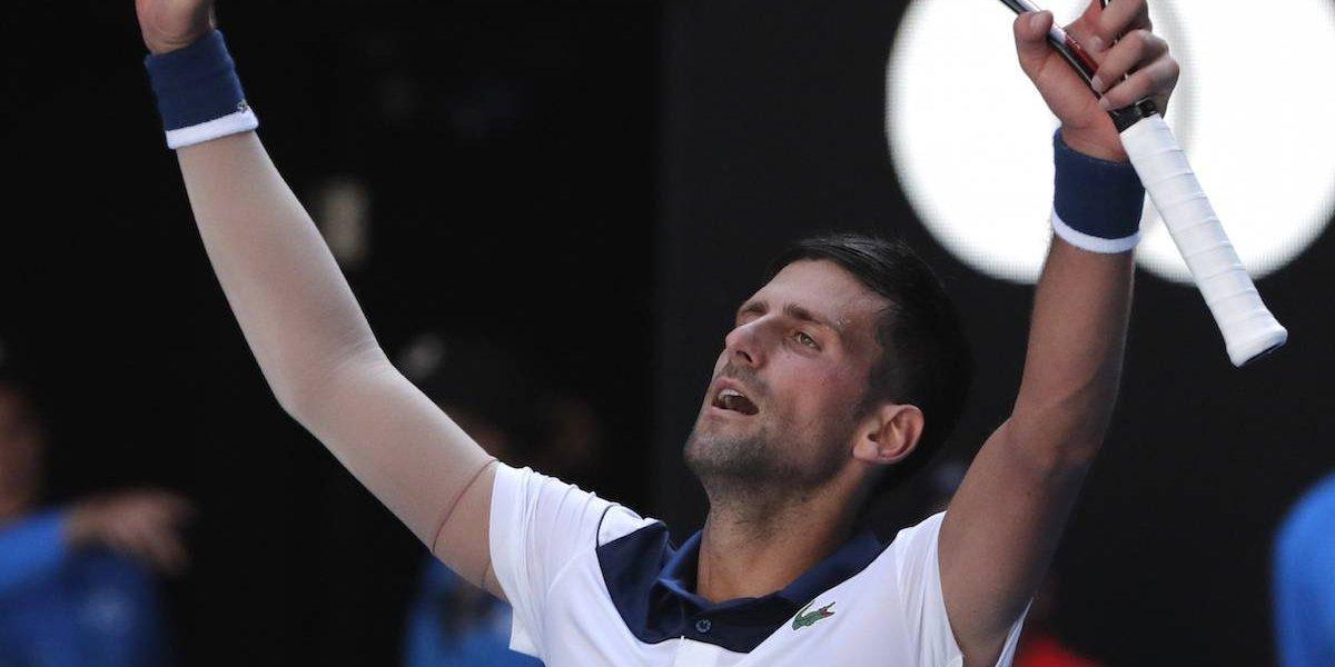 Djokovic sobrevive al calor y avanza en Australia; Muguruza queda fuera