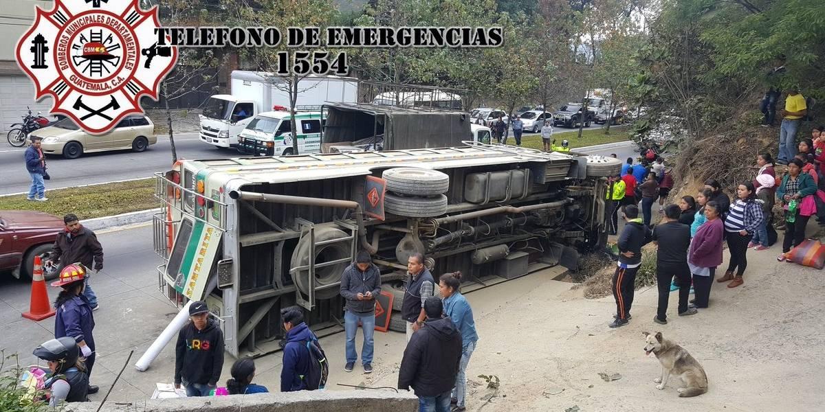 VIDEO. Bus vuelca en ruta Interamericana tras ser baleado