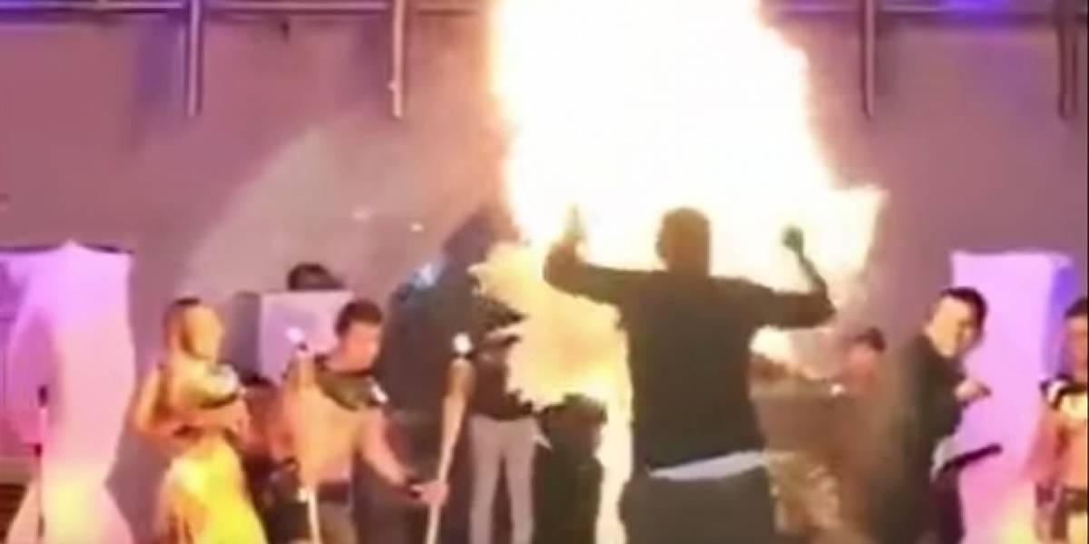 Metió la pata: modelo se incendia durante su presentación en certamen de belleza