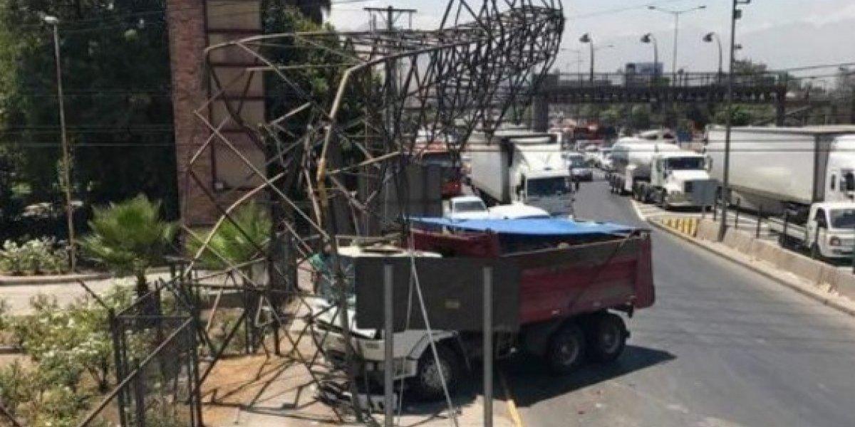 Corte de energía afectó a varios sectores de la comuna de Santiago