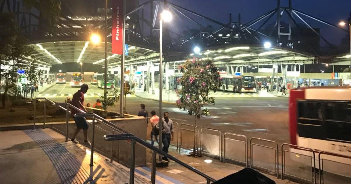 Greve deixa estação Pinheiros vazia no início da manhã | Rádio Bandeirantes