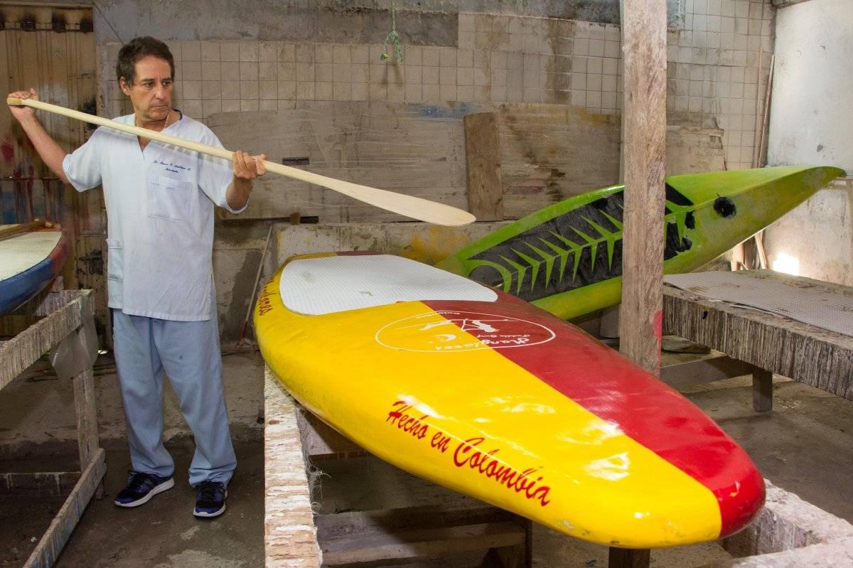 """Todas las tablas de Manglares dicen """"Hecho en Colombia"""". Más que un letrero, dice Marco, es todo un proceso cultural. Foto: Hroy Chávez"""