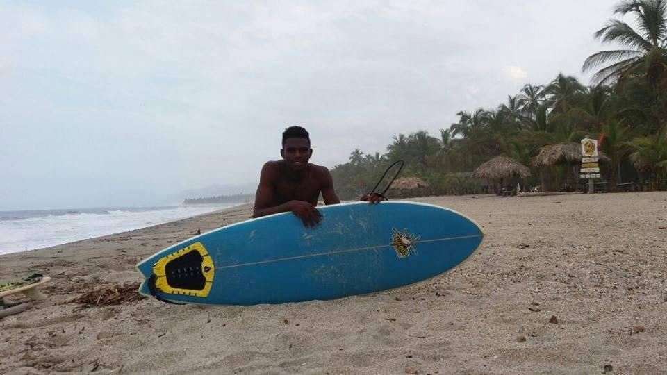 Nilson Asprilla, pescador a pulmón libre, ahora tiene 20 años y en los pasados Juegos Nacionales de Mar y Playa, en Tumaco, se trajo la medalla de plata. Foto: Cortesía