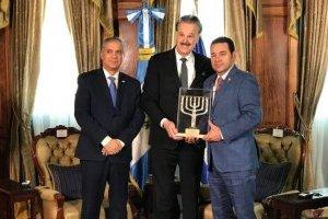 Presidente Jimmy Morales recibe reconocimiento de Friends of Zion