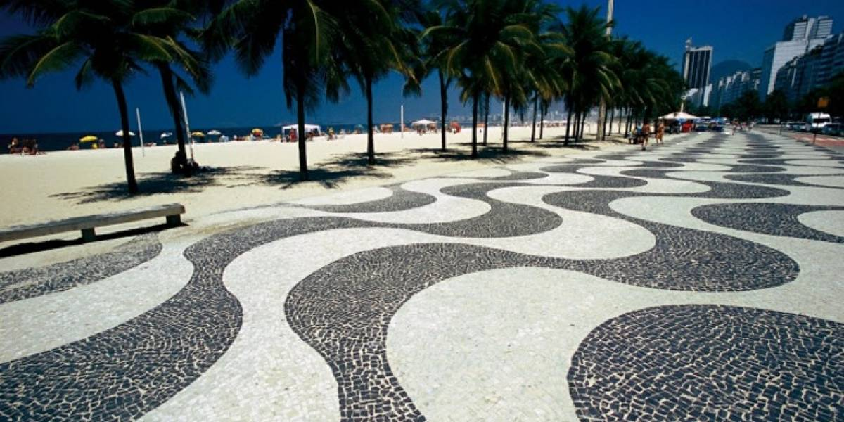 Cinco bombeiros são acusados de estuprar turista na Praia de Copacabana, RJ