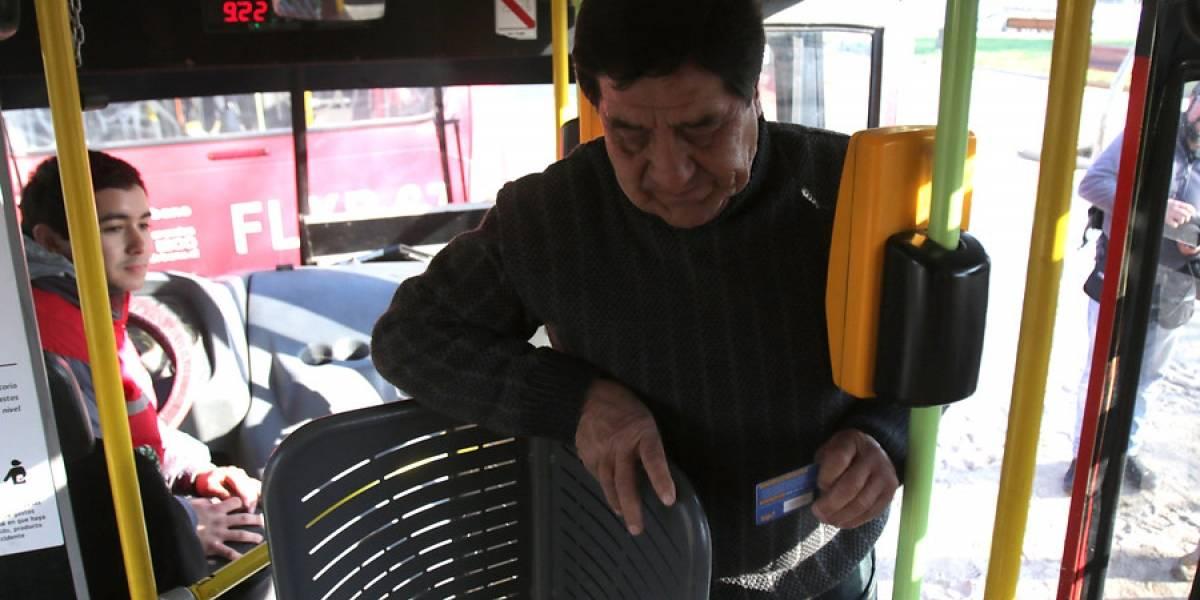 """Sindicato de choferes del Transantiago rechaza creación de lista de evasores y la califican de """"represión sicológica al usuario"""""""