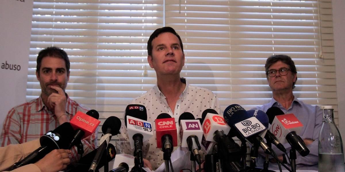 """Víctimas de Karadima rechazan respaldo del Papa a obispo Barros: """"Lo que ha hecho es ofensivo y doloroso"""""""
