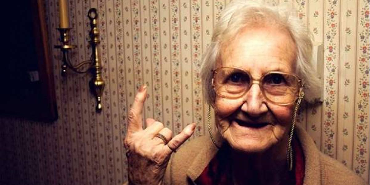 Pesquisa revela que mulher só consegue ser feliz aos 85 anos