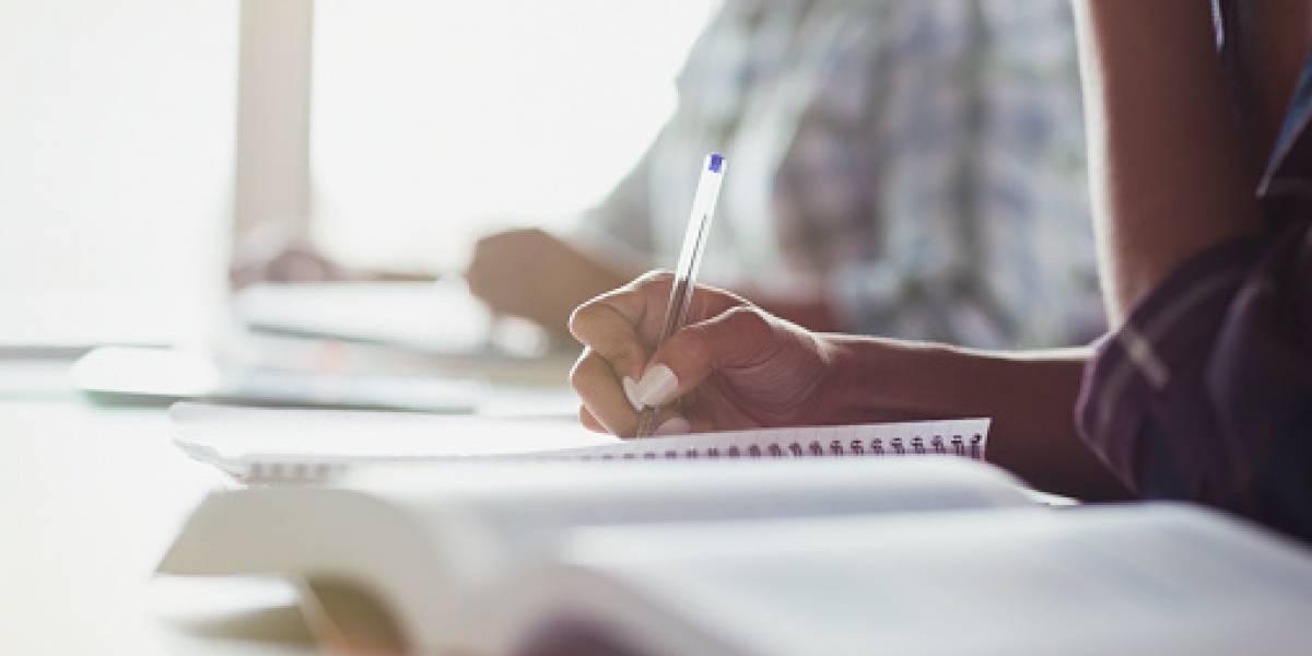 Prestigiosa universidad ofrece becas de maestría para docentes oficiales