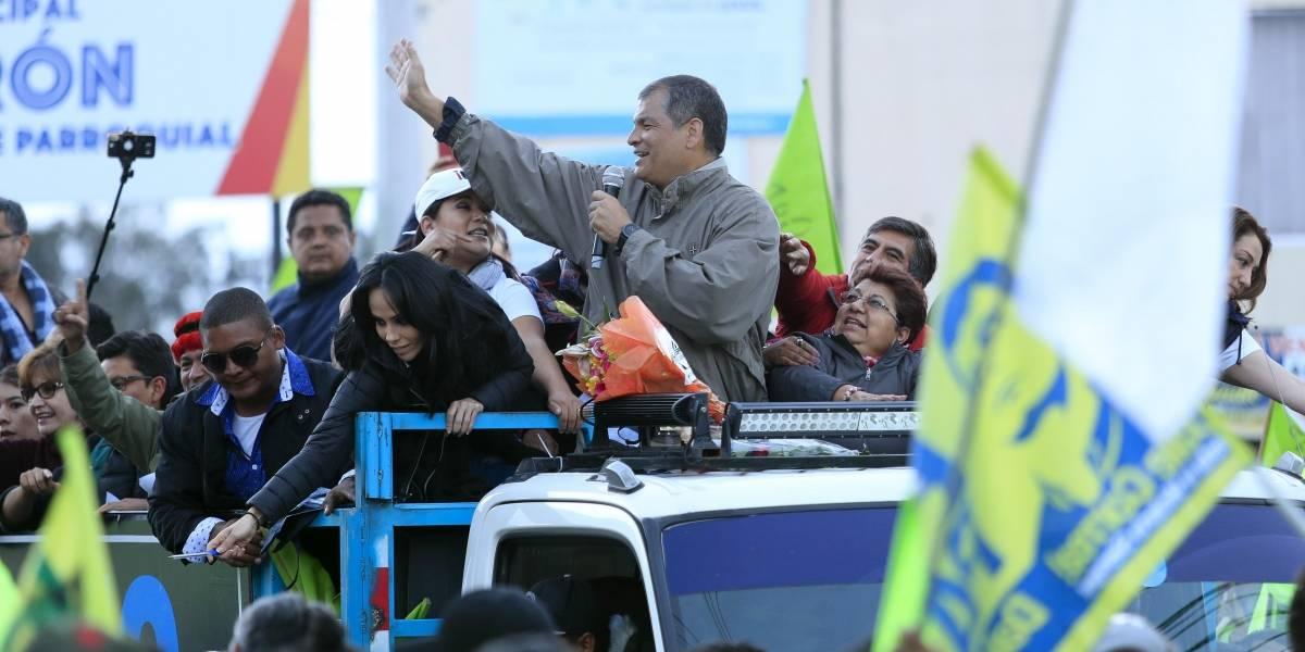 Correa encabeza caravana de campaña por el 'No' a consulta popular en Quito