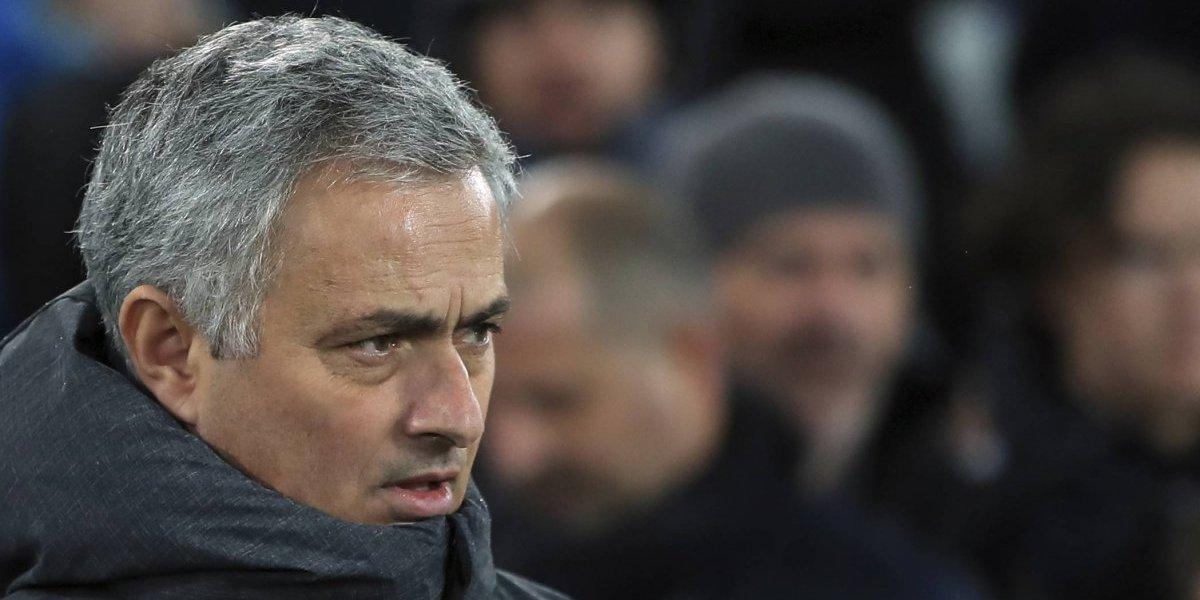 """José Mourinho: """"No se ha hecho nada, Sánchez es jugador de Arsenal"""""""
