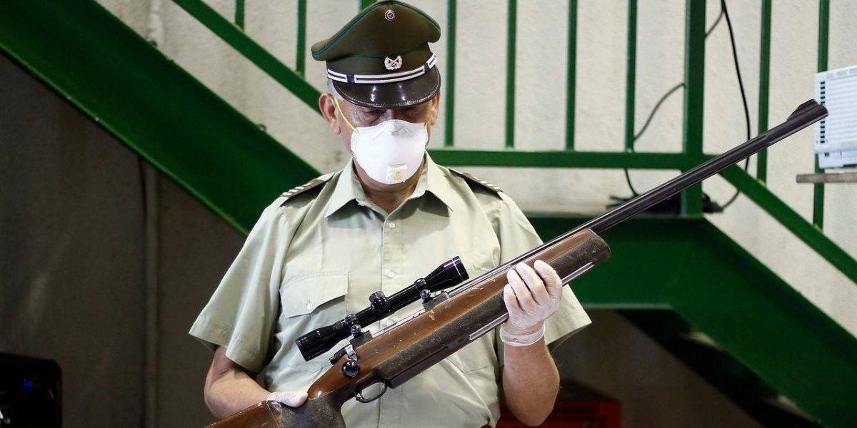 Delincuentes disparan escopetazo a cuidadora de colegio en Peñalolén