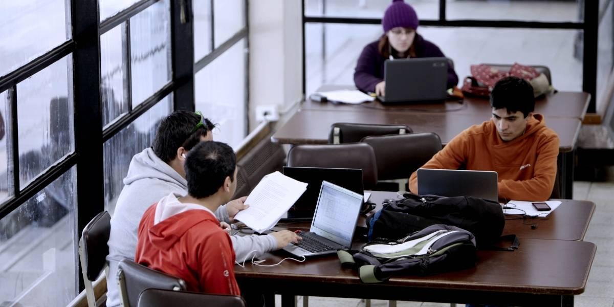 Estudiantes que obtienen gratuidad se mantienen más en la educación superior