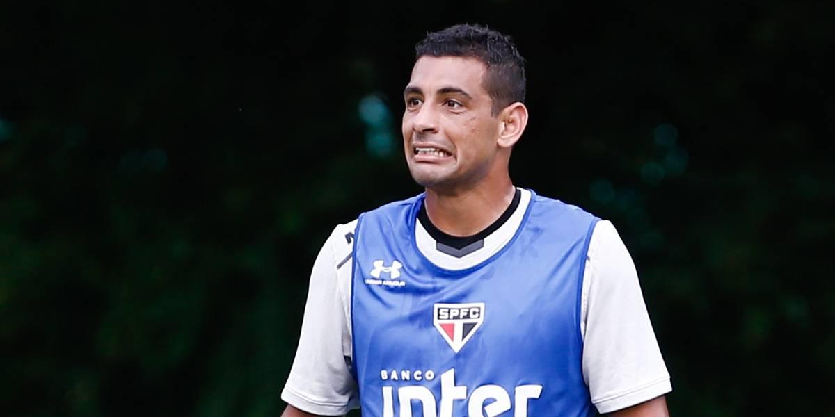 Exame detecta edema e Diego Souza desfalca o São Paulo contra o Bahia