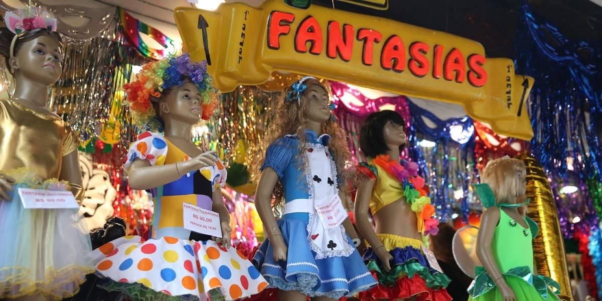 Já é Carnaval na 25 de Março! Veja quais são os looks mais procurados