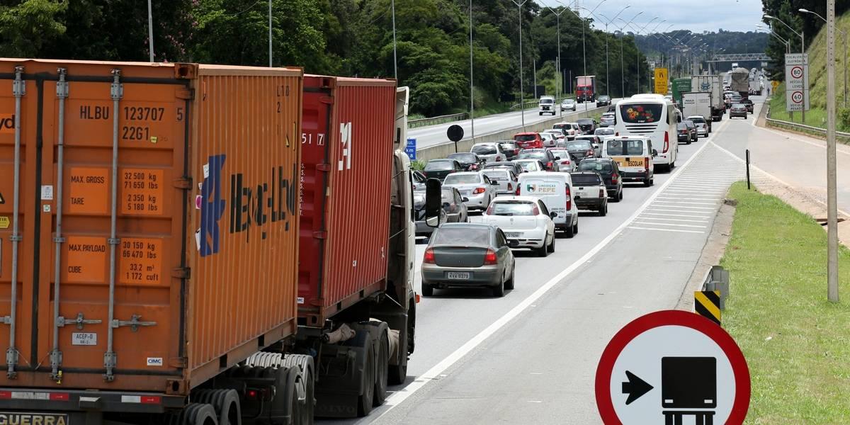 Mais de 6 milhões de carros circularão pelas rodovias paulistas no carnaval
