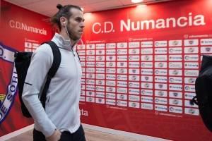 6º - Gareth Bale (País de Gales), do Real Madrid -Por semana:387 mil euros (R$ 1,42 milhão)Por temporada:20,2 milhões de euros (R$ 74,4 milhões)| Denis Doyle/Getty Images