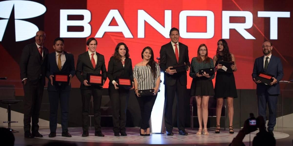 La banca mexicana fuerte y sólida: Carlos Hank González