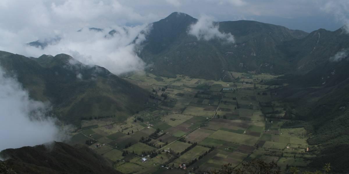 """Ecuador reforesta reserva del Pululahua, una apuesta por """"reverdecer el país"""""""
