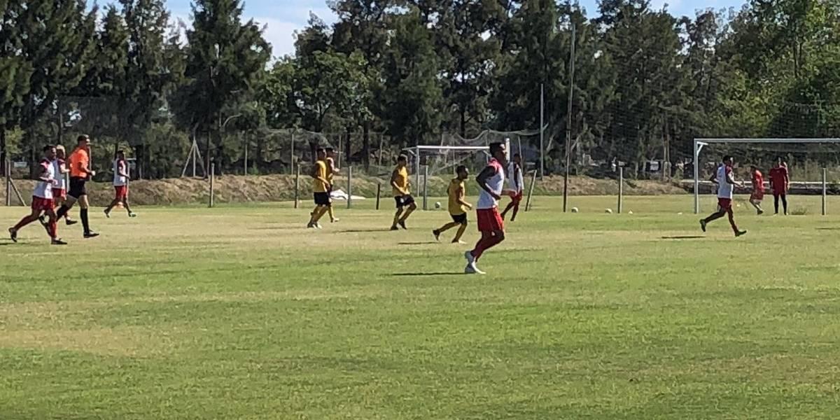 Lucas Barrios convirtió su primer gol en su retorno a Argentinos Juniors